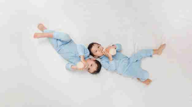 Breastfeeding twin babies