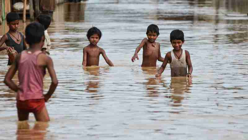 Emergency situation with children: Natural disaster