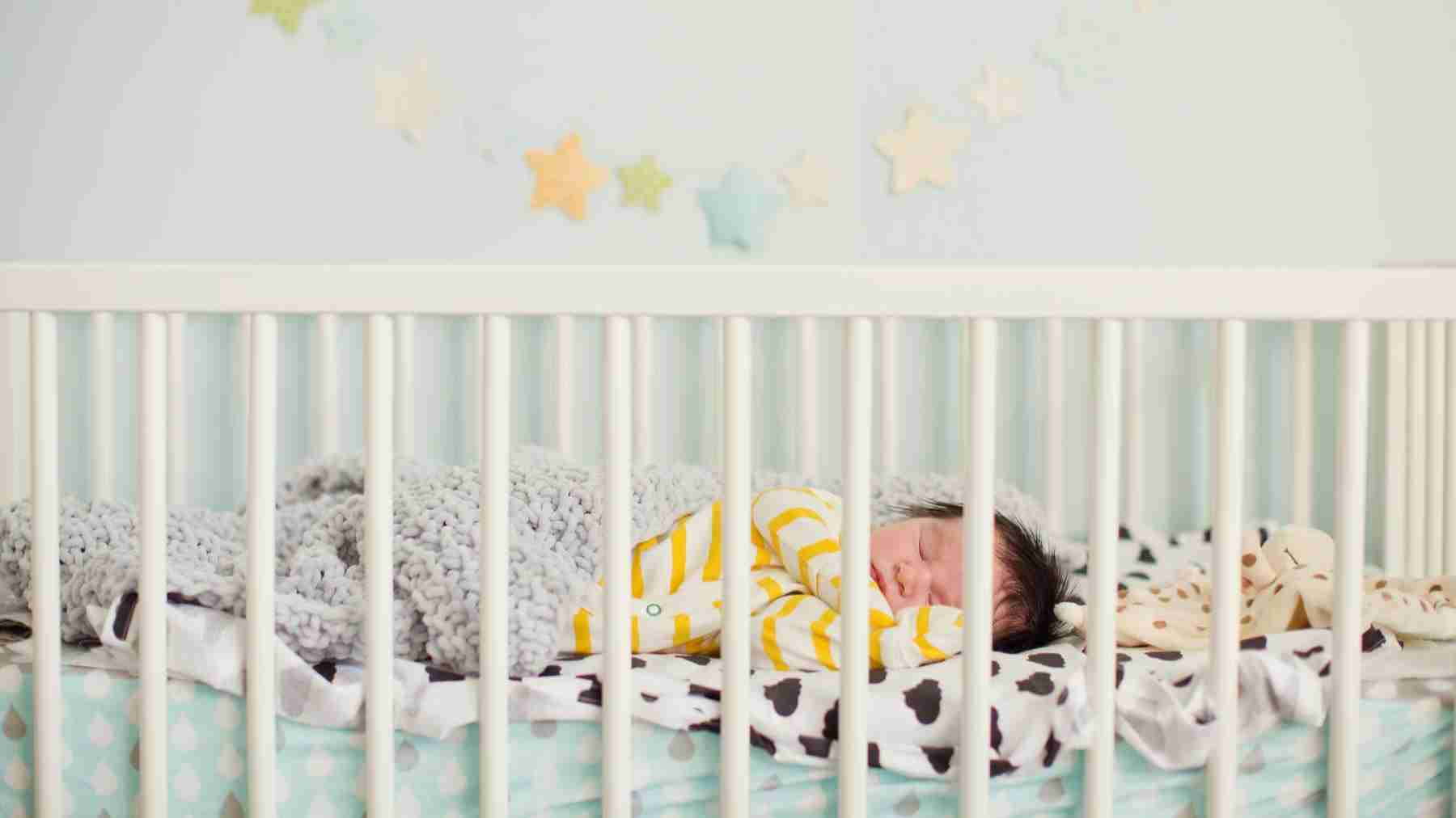 Selecting a crib for your baby