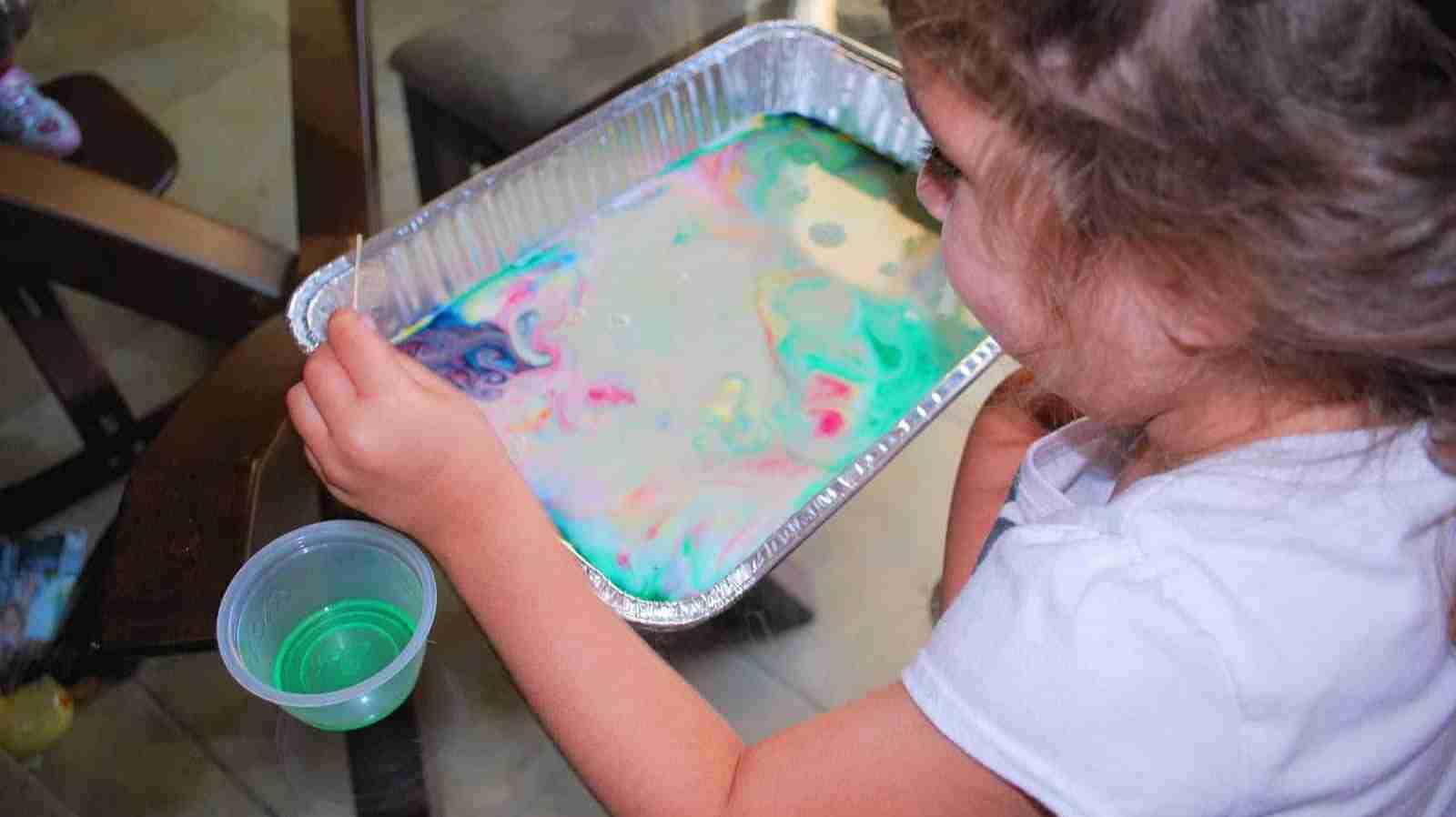 Magic Milk Rainbow- Colourful Dancing Milk Experiment