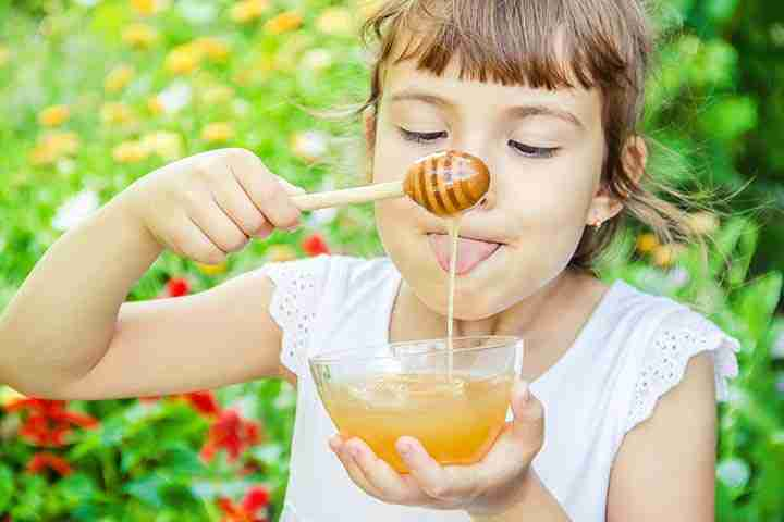 is honey and jaggery safe for children